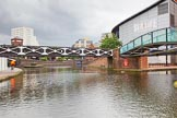 BCN Marathon Challenge 2014: Old Turn Junction on the BCN Main Line. On the right is Oozells Street Loop, Farmers Bridge Locks are on the left. The factory bridge centre right leads to Brewery Wharf. Birmingham Canal Navigation,   United Kingdom, on 23 May 2014 at 13:32, image #5
