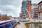 BCN Marathon Challenge 2014: A very modern footbridge over the Birmingham & Fazeley Canal at the Farmers Bridge locks, with old industry on the left.. Birmingham Canal Navigation,   United Kingdom, on 23 May 2014 at 14:14, image #22