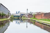 BCN 24h Marathon Challenge 2015: BCN New Main Line at Rabone Lane Bridge, with French Walls Basin Bridge on the left. Almost opposite, on the right, is the site of a former basin that served gas works. Birmingham Canal Navigations,    on 23 May 2015 at 10:02, image #51