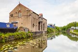 BCN 24h Marathon Challenge 2015: An old warehouse at the Walsall Canal near the M6, with a factory bridge to former gas works on the right. Birmingham Canal Navigations,    on 23 May 2015 at 17:16, image #141