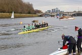 The Boat Race season 2017 - Women's Boat Race Fixture CUWBC vs Univerity of London: The CUWBC on the way towards Putney Bridge whilst the UL BC crew is getting ready. River Thames between Putney Bridge and Mortlake, London SW15,  United Kingdom, on 19 February 2017 at 15:19, image #15
