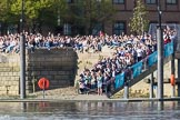 The Boat Race season 2017 -  The Cancer Research Women's Boat Race: Large crowds on the Thames Path at Fulham Reach - some might get wet when the flotilla has got past them. River Thames between Putney Bridge and Mortlake, London SW15,  United Kingdom, on 02 April 2017 at 16:41, image #154