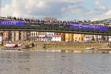 The Boat Race season 2017 -  The Cancer Research Women's Boat Race: Crowds on Hammersmith Bridge and the Thames Path. River Thames between Putney Bridge and Mortlake, London SW15,  United Kingdom, on 02 April 2017 at 16:42, image #160